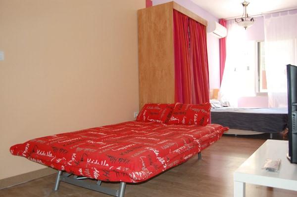 El sofa cama se puede utilizar individualmente previa petion de ropa de cama