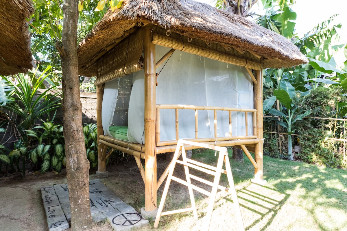 Cozy bamboo stay at Canggu (P)