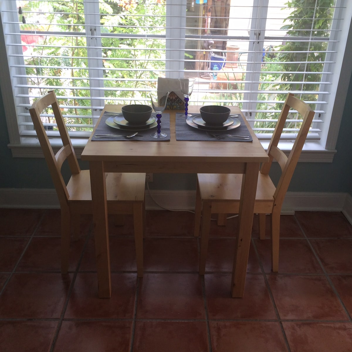 Sunny kitchen, seating for two
