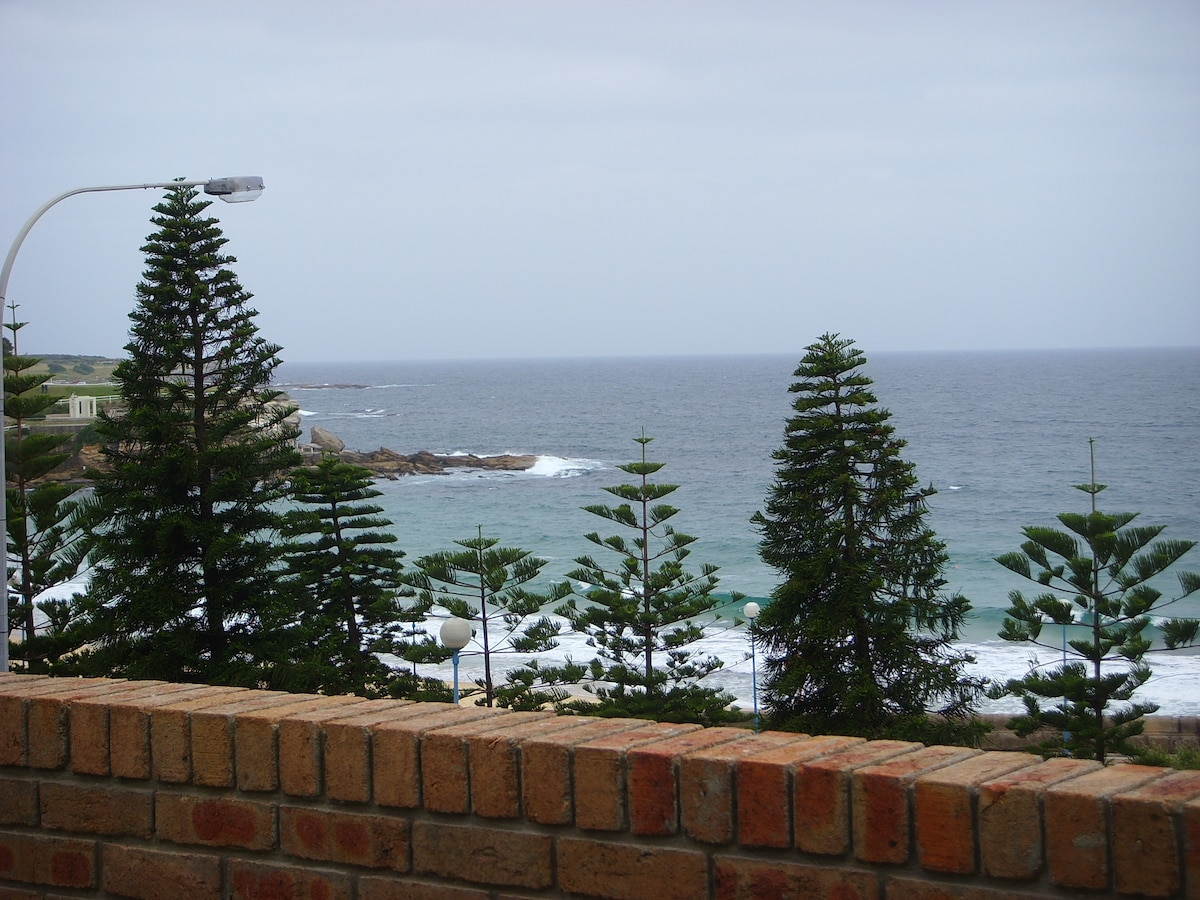 Coogee - a home by the beach