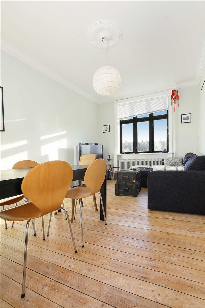 2-bedroom apartment, close to C