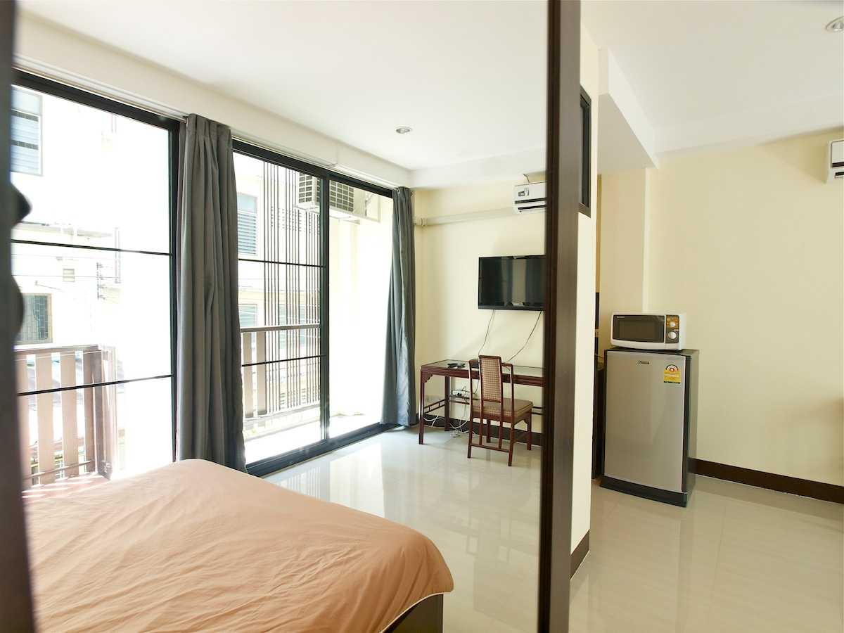 2. Bangkok bright Apartment 201