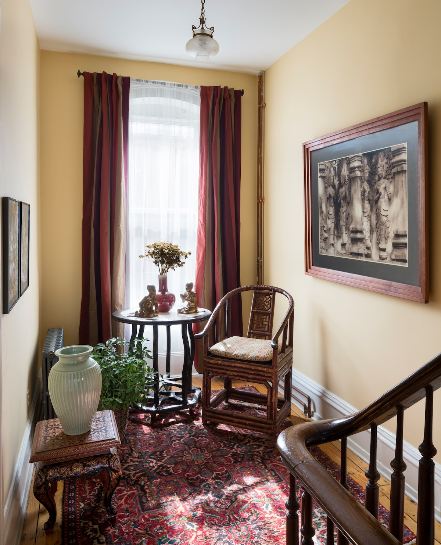 2nd Floor - Sitting area in hallway