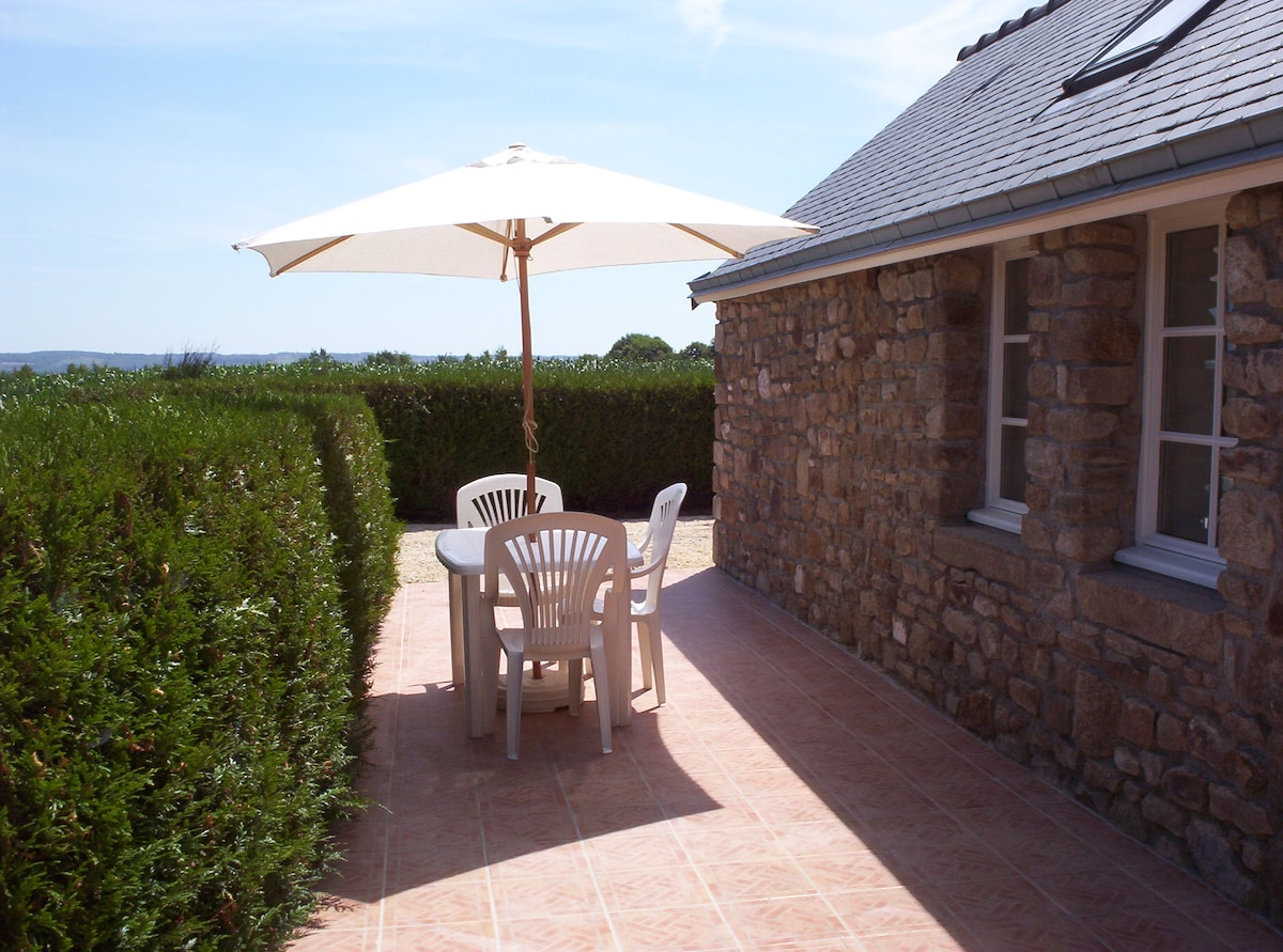 The private terrace of 'Le Petit Lapin': perfect for a glass of wine after a day out at Mont Saint Michel!