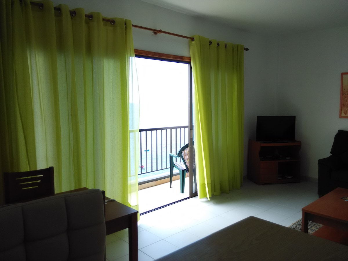 2BD Apartment with Great Sea View