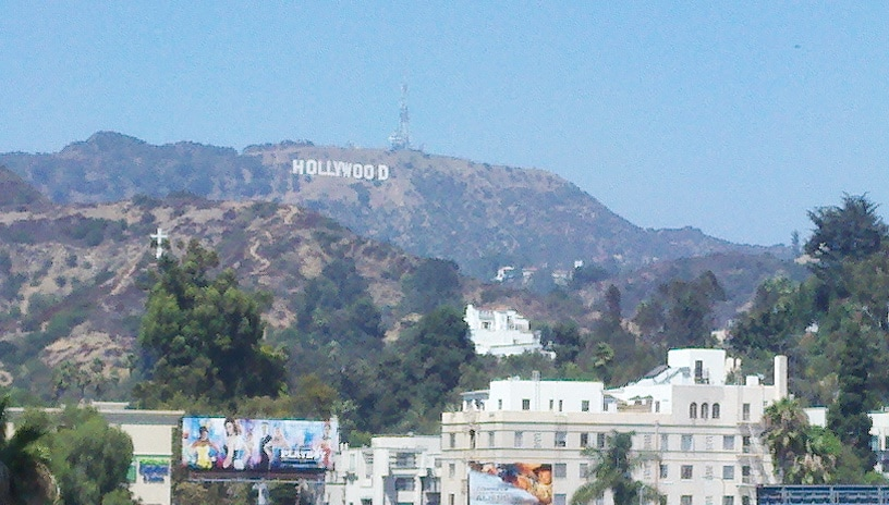 Amazing Hollywood Furnished Studio!