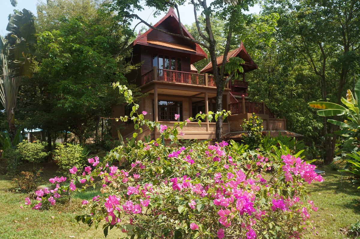 Detached Thai Villa Tranquil Island