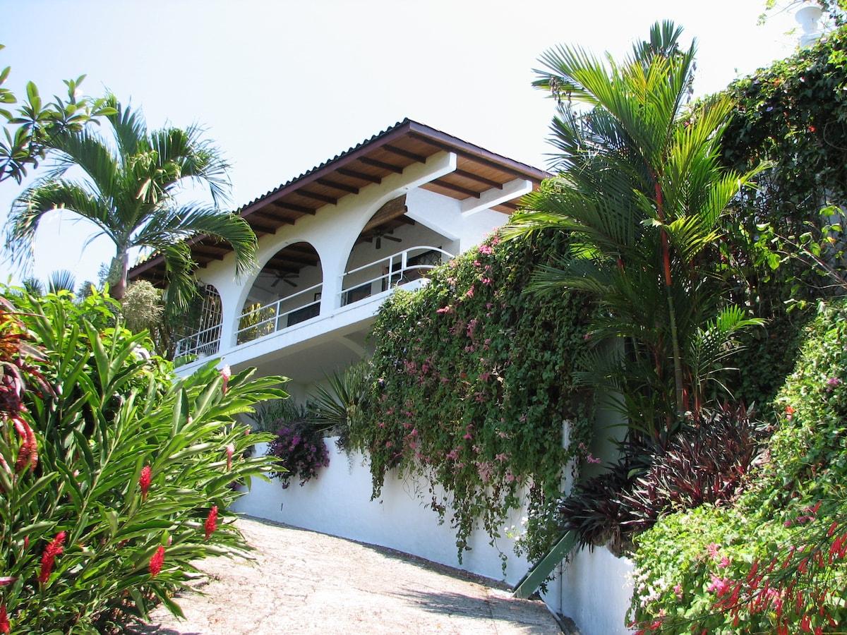 Perfect Home for Romantic Getaways or Honeymoon