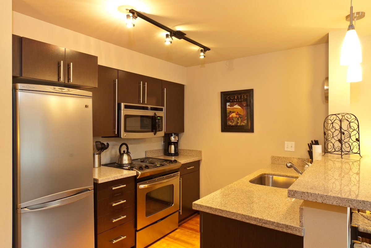 Full Kitchen Available Fully Stocked with cookware, dishes, glassware, etc