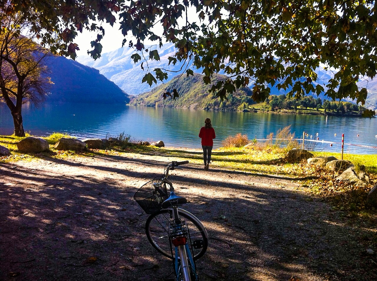 Our two bikes with bicycle baskets take you around. (Our beach by Laghetto Bay a sunny day in end of October.) Have a look in the Location/Guide map at the bottom of this Airbnb ad for advices on excursions. In the flat we leave you many maps and brochure