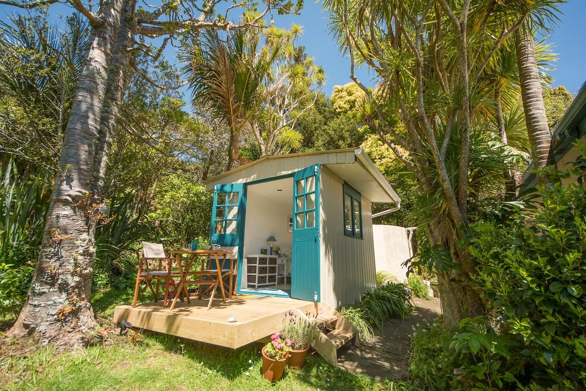 Piha Beach Hut