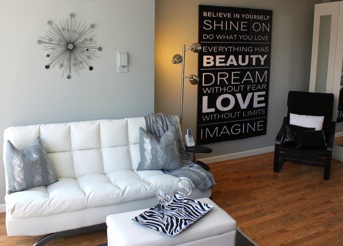 Hip Modern Living room Murphy bed hidden away