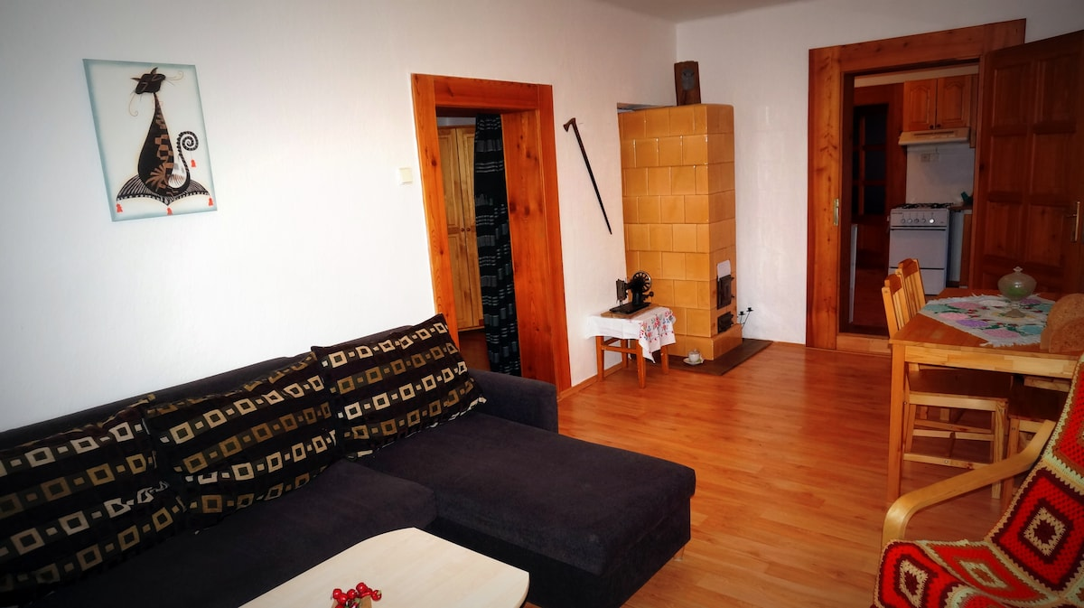 The lounge is adjoined to second bedroom