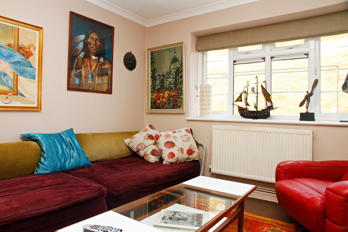 Sunny Central Double Bedroom