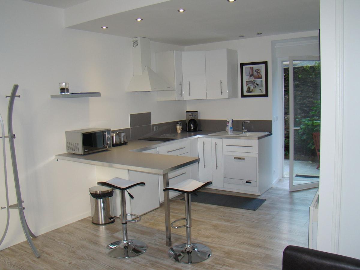 Studio apartment DRC nine inner cit