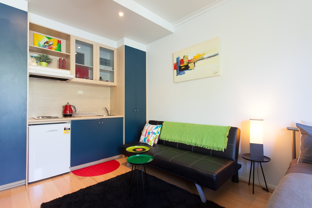 """Beachouse"" 20/15 Acland St"