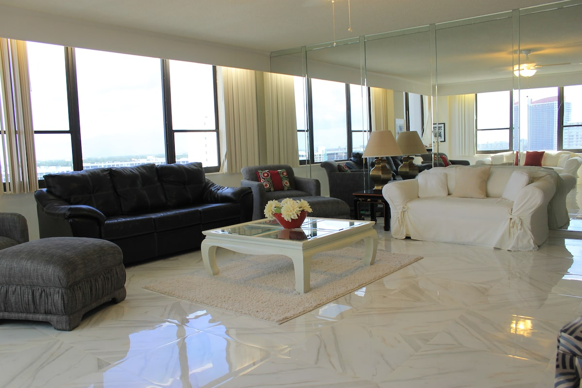 MIAMI - LUXURY APARTMENT OVER BEACH