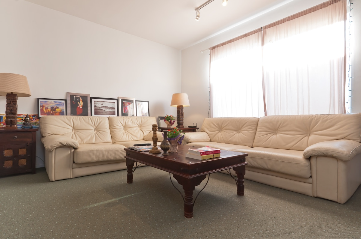 Lovely 1 Bd, Walk to Everything!!!