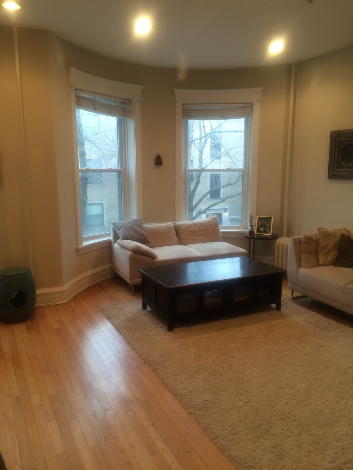 Cozy & comfy 2 bed in East Lakeview