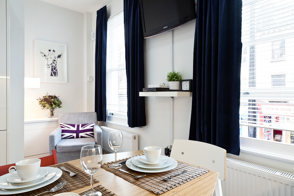 Camden Town is one of the most interesting parts of London, this apartment is less than one minute from Camden Town tube station!
