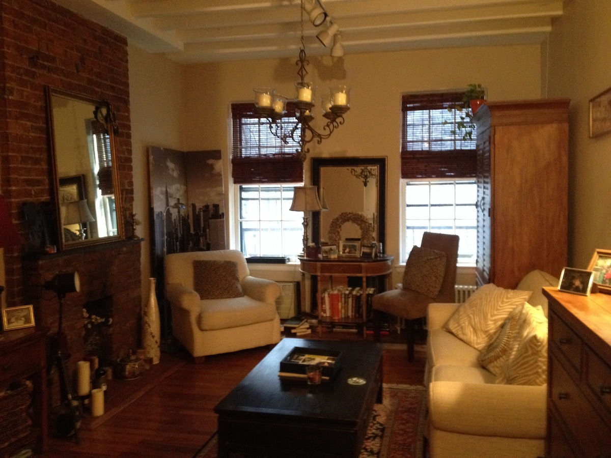 Charming studio in Hell's Kitchen