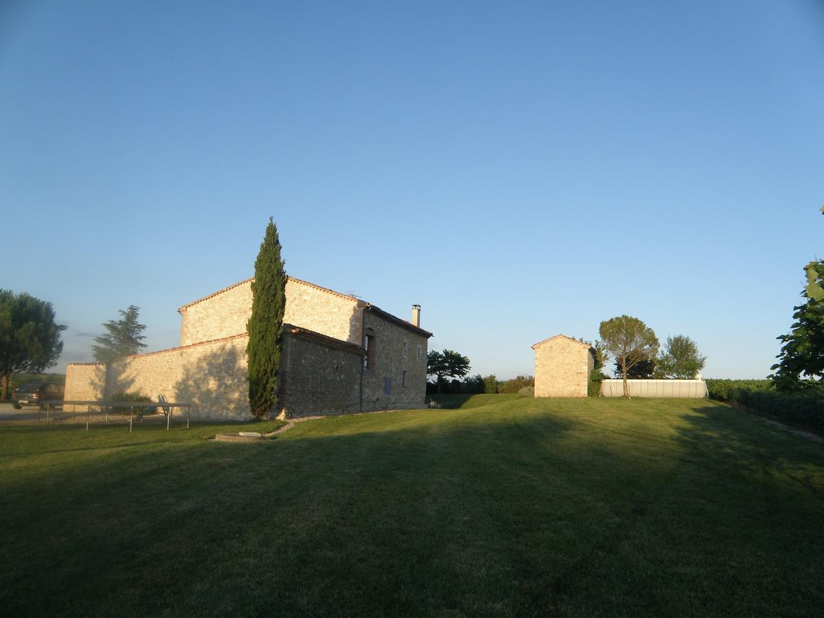 Ferme restaurée proche Lautrec