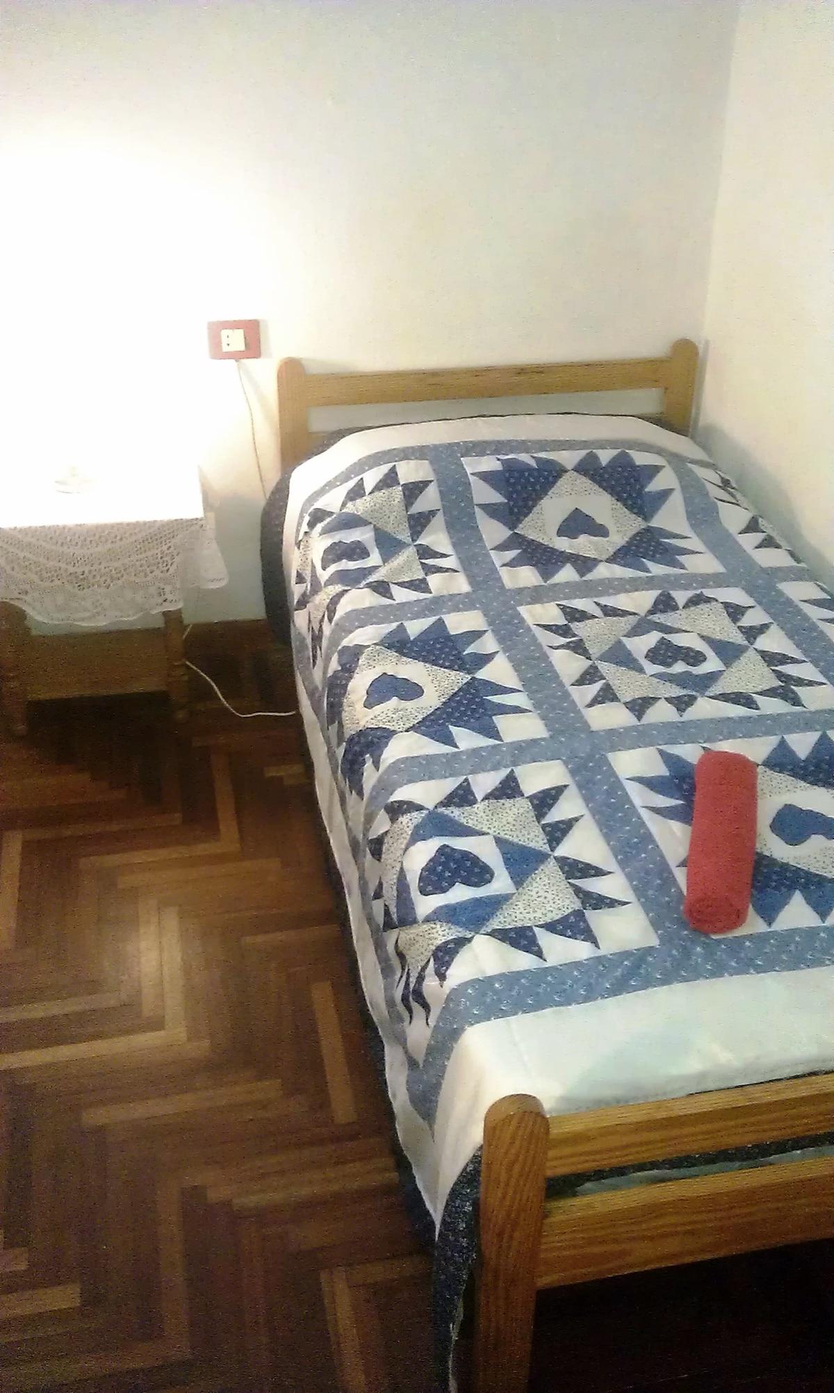 Spacious single room in La Laguna