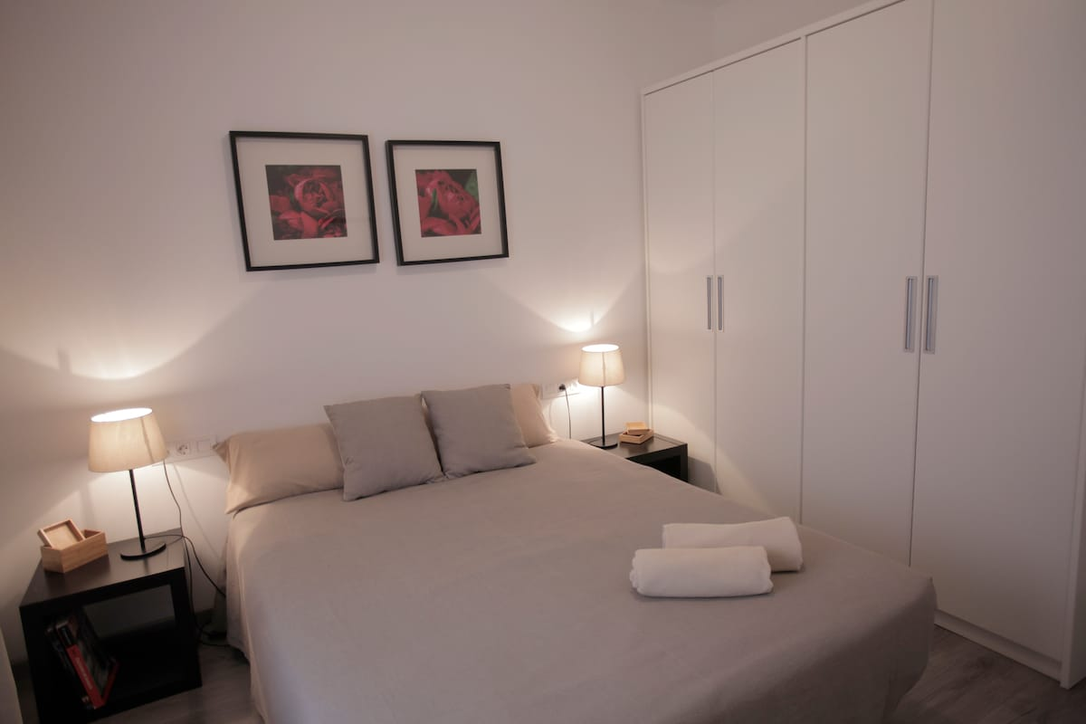 Large Family Apartment Eixample