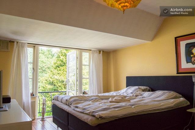Luxurious bedroom nr Schiphol WiFi