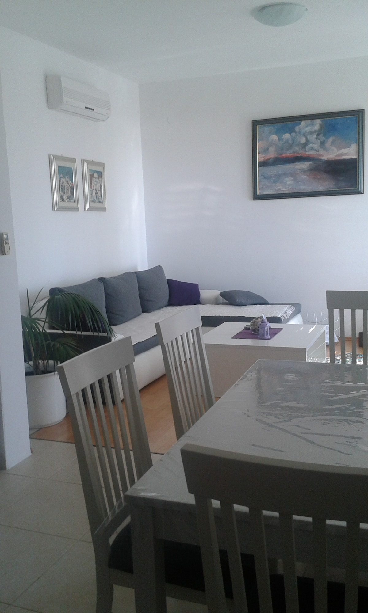 dining area with the kitchen