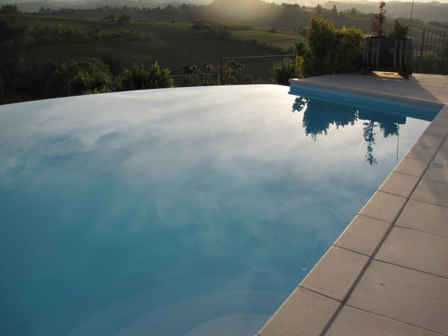 infinitive pool in front of Nizza Monferrato village