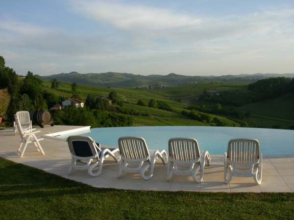 infinitive Cascina Christiana pool