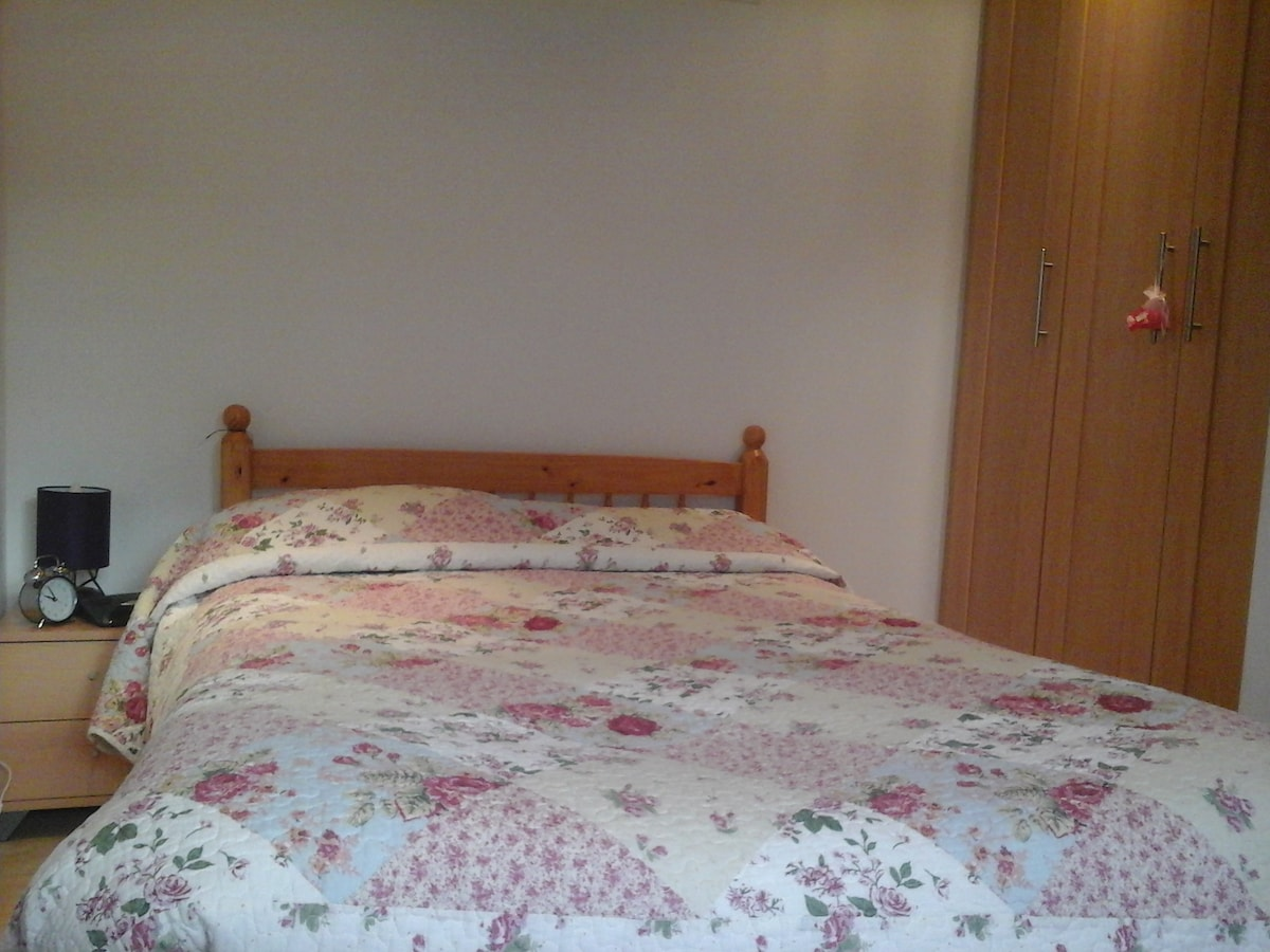 Warm and cosy double bedroom
