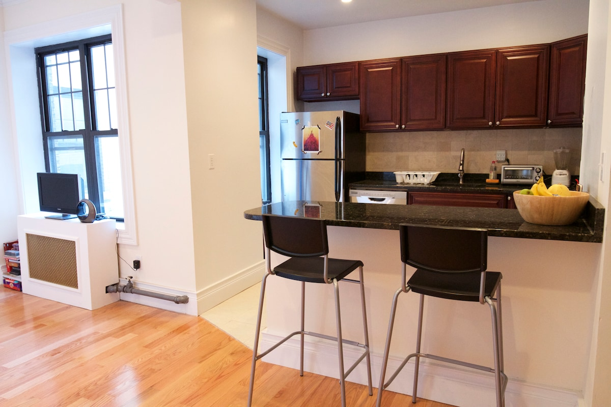 Great room 20 min from Times Square