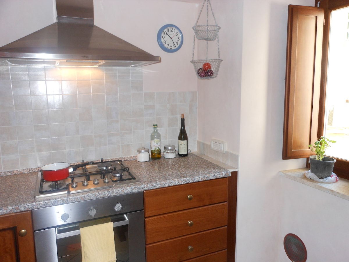 Kitchen with gas stove, oven, refrigerator, dishwasher