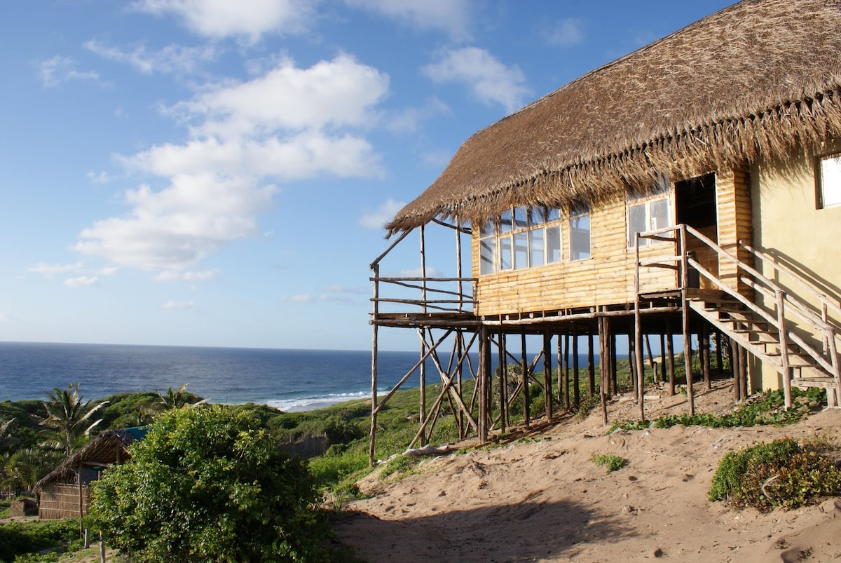 Relax, surrounded by an unspoiled 200 degree view of the Indian Ocean