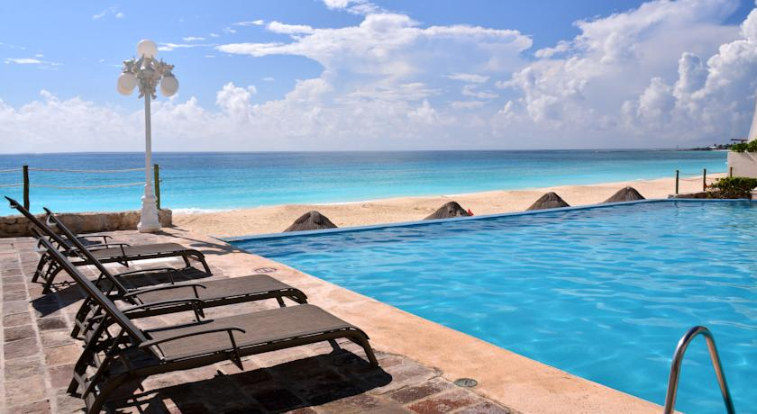 Ocean Front Suites Cancun Plaza 1&2