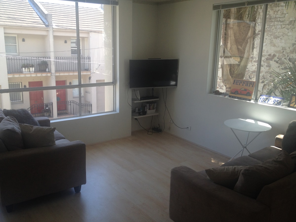 Entire Sun-drenched 1BD Surry Hills