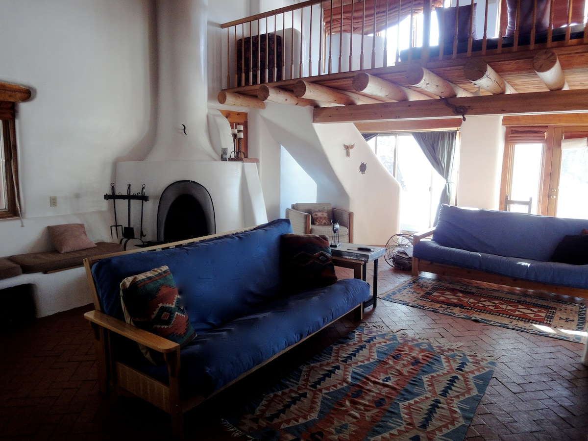 Rustic Adobe Retreat - Sleeps 10