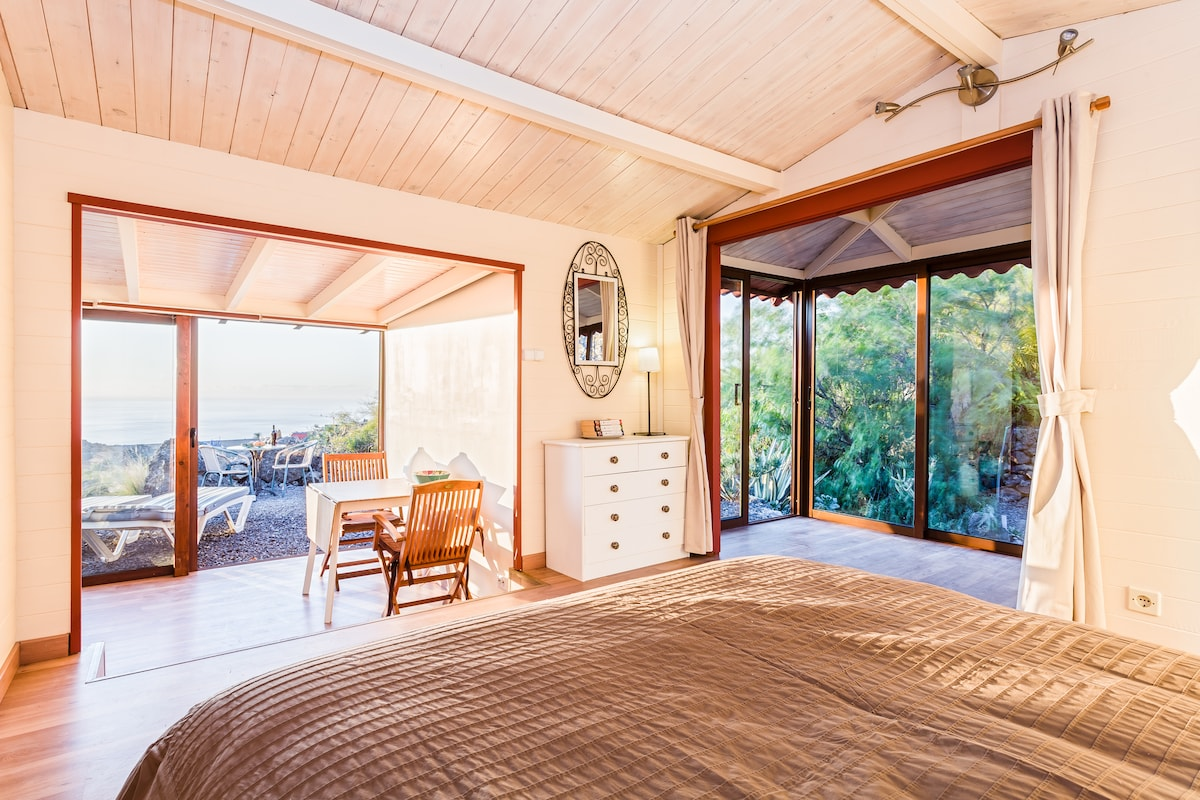 Casa Lily, new ocean view Chalet