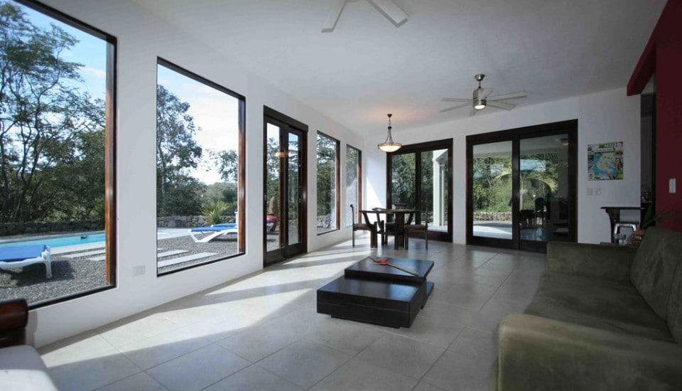 3-4 bedrooms, jungle views, pool