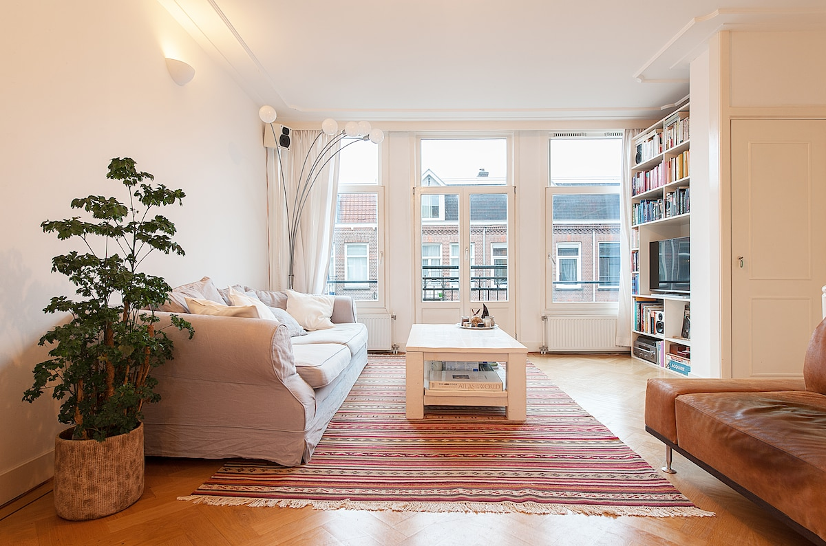 Sunny Spacious 85m2 + roof terrace!