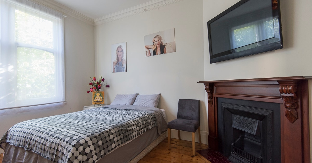 Decorative Fireplace, LCD, Comfy queen bed