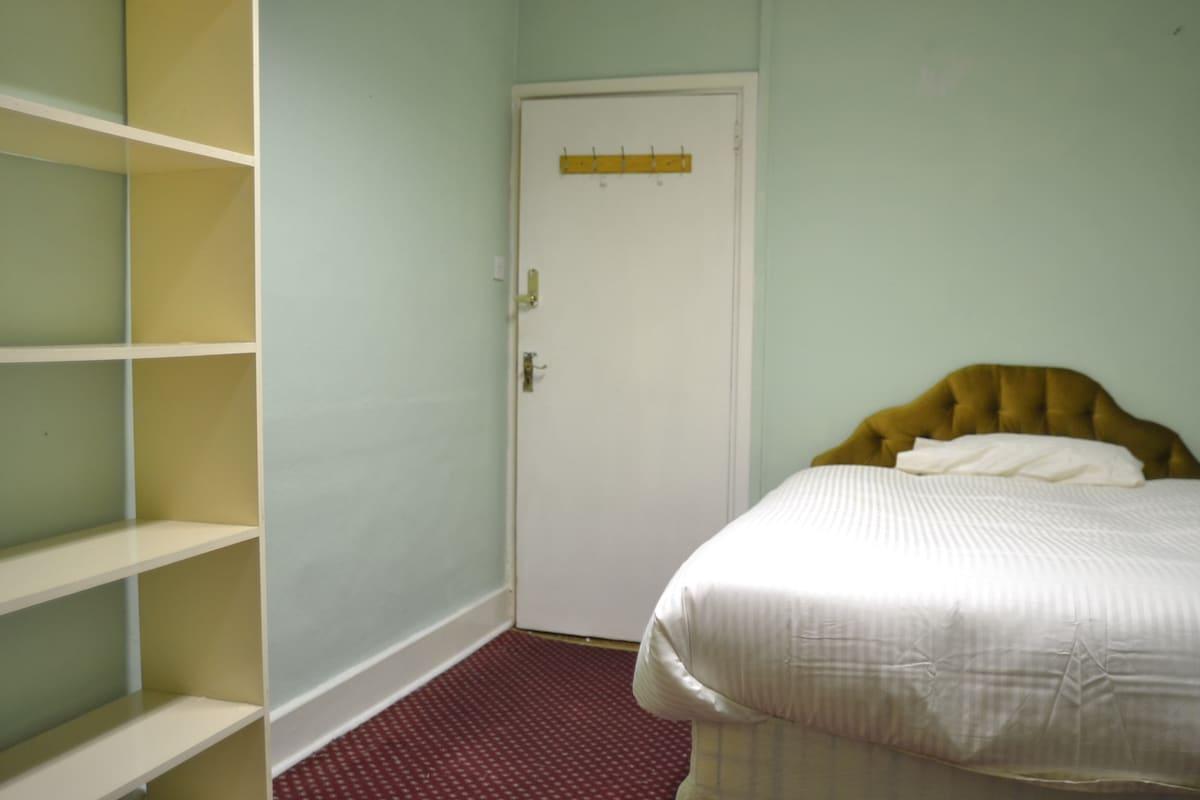 Double bedroom in Dublin center
