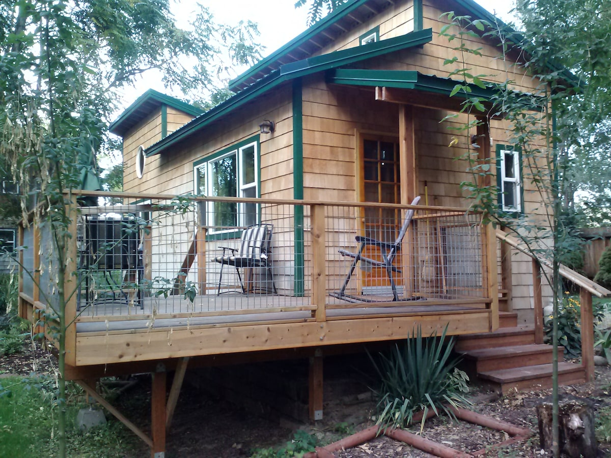 Lovely Okanogan River Cabin