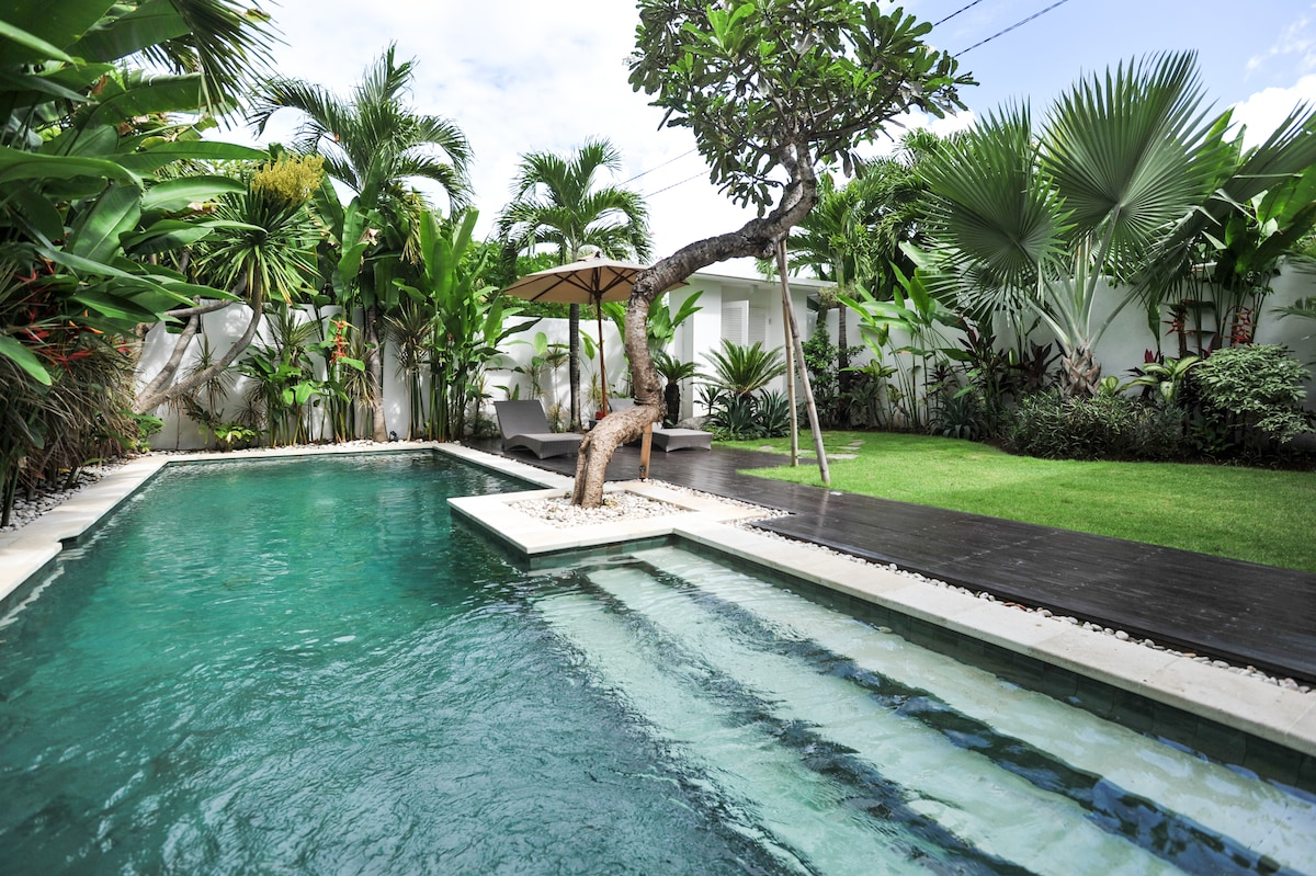 The Colonial Villa Sanur (new!)