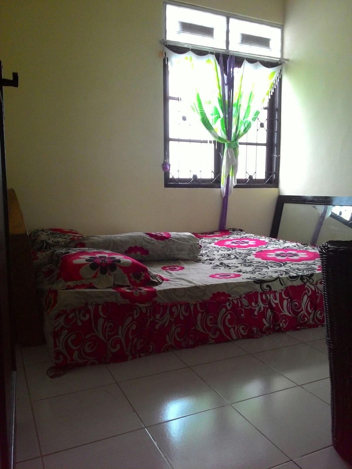 Quiet private room in jimbaran!