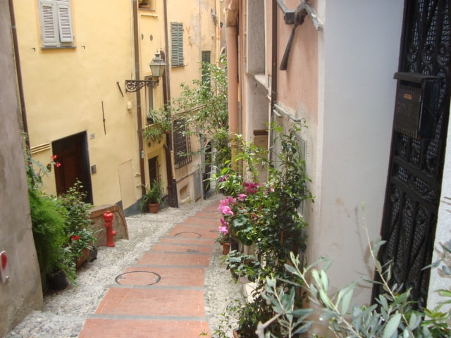 MINI ACCOMMODATION IN SANREMO LIGUR