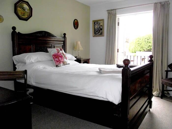 Double Room, En-suite & Balcony