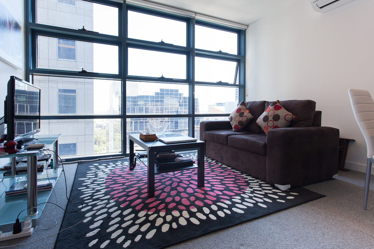 One Bedroom Apartment in The City